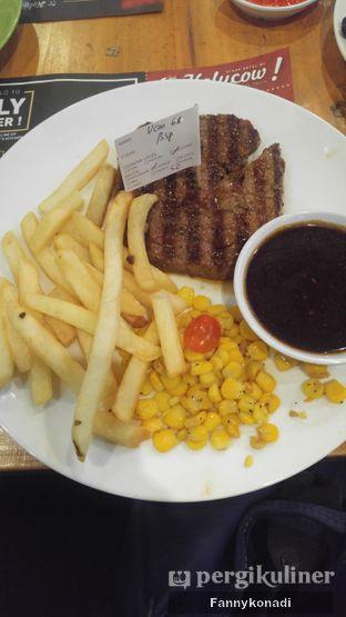 Foto 3 - Makanan di Steak Hotel by Holycow! oleh Fanny Konadi