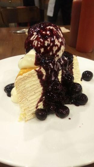 Foto 1 - Makanan(Berry Cheese Creepe (IDR 68.5k) ) di Pancious oleh Renodaneswara @caesarinodswr