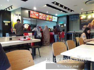 Foto 4 - Interior di Richeese Factory oleh @foodiaryme   Khey & Farhan