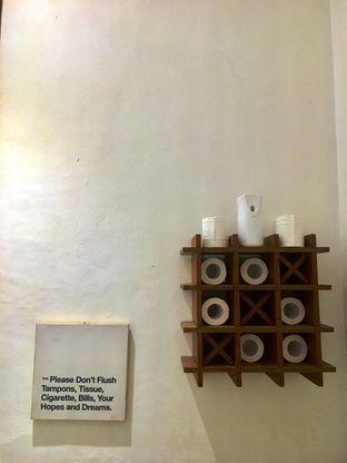 Foto 2 - Interior di SRSLY Coffee oleh Prido ZH