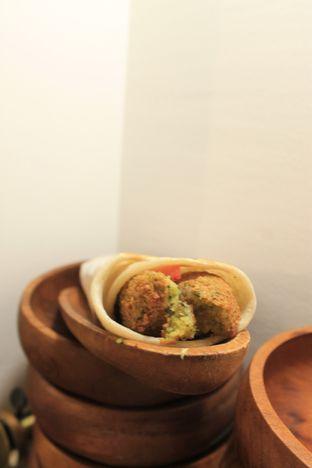 Foto 15 - Makanan di Emado's Shawarma oleh Prido ZH
