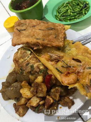 Foto 2 - Makanan di Warteg Gang Mangga oleh bataLKurus
