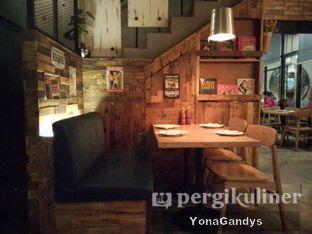 Foto 2 - Interior di Milan Pizzeria Cafe oleh Yona Gandys