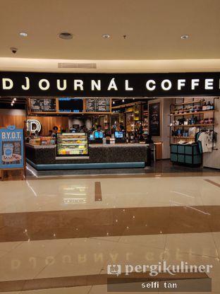 Foto 4 - Interior di Djournal Coffee oleh Selfi Tan