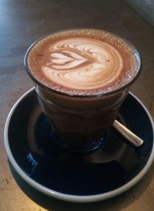 Foto 1 - Makanan(Hot Cappucino (IDR 35k)) di Coffee Smith oleh Renodaneswara @caesarinodswr