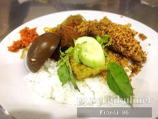 Foto 2 - Makanan di Depot Nasi Campur Pojok Tambak Bayan oleh Fransiscus