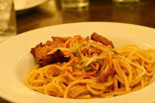 Foto 6 - Makanan(Oriental Chicken Spaghetti (IDR 46k) ) di Pizza Hut oleh Renodaneswara @caesarinodswr
