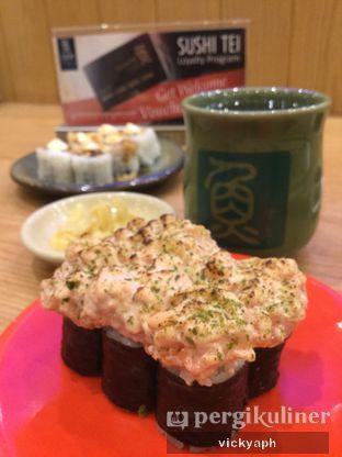 Foto - Makanan(Salmon Canape) di Sushi Tei oleh Vicky @vickyaph