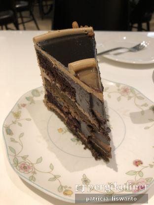 Foto 1 - Makanan(Baileys Mocha Cake) di AMKC Atelier oleh Patsyy
