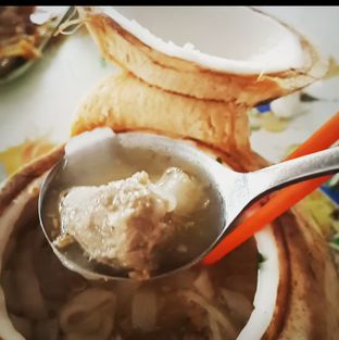 Foto - Makanan(Bakso Sapi Kwetiau Batok Kelapa ) di Rumah Makan DM (Doyan Makan) oleh SashaRisha firnanda