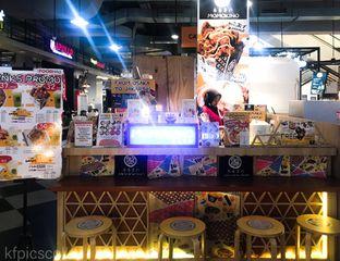 Foto 3 - Interior(Meja Dine In) di Momokino oleh Kumala Yang