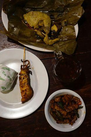 Foto 8 - Makanan di Warung Nasi Ampera oleh yudistira ishak abrar