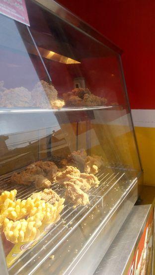 Foto 5 - Interior di Hisana Fried Chicken oleh Nena Zakiah