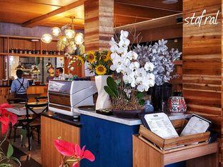 Foto 5 - Interior di Gioi Asian Bistro & Lounge oleh Stanzazone