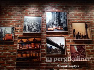 Foto 6 - Interior di Imperial Cakery & Cafe oleh Yona dan Mute • @duolemak