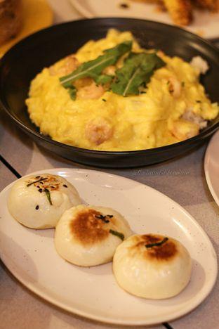 Foto 3 - Makanan di Ling Ling Dim Sum & Tea House oleh thehandsofcuisine