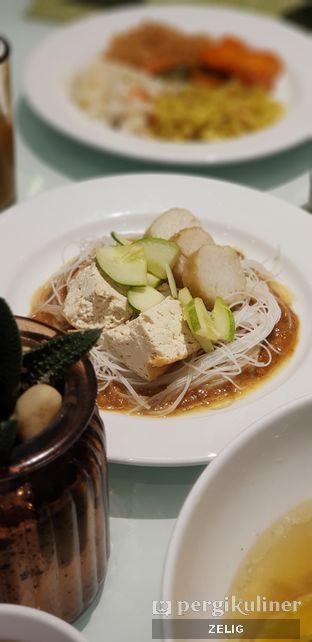 Foto 1 - Makanan di Catappa Restaurant - Hotel Grand Mercure Kemayoran oleh @teddyzelig