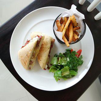 Foto Makanan di Ground Up Delicatessen