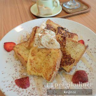 Foto 1 - Makanan(French toast) di Cha-Cha Cafe oleh Myra Anastasia
