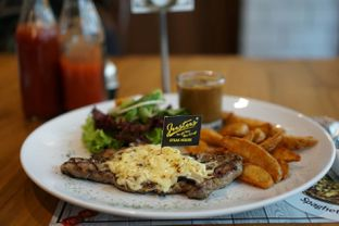 Foto 1 - Makanan(Sirloin Cheese Steak) di Justus Steakhouse oleh Fadhlur Rohman