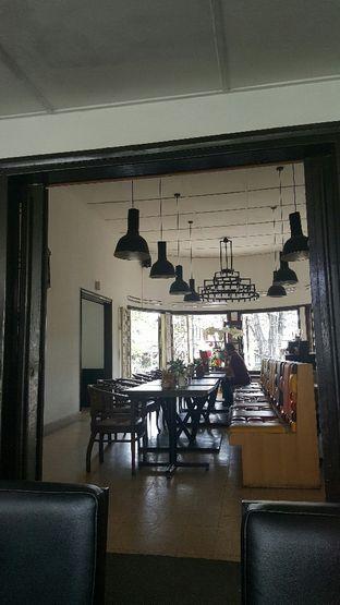 Foto 2 - Interior di Dapoer Penyet oleh zelda