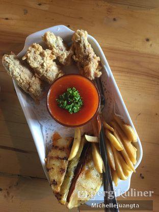 Foto 3 - Makanan(Platter Mix) di Titik Kumpul Coffee & Eatery oleh Michelle Juangta
