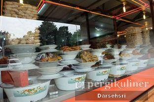 Foto 6 - Interior di Trio Masakan Padang oleh Darsehsri Handayani