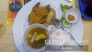 Foto - Makanan di Ayam Goreng Karawaci oleh Audry Arifin @thehungrydentist