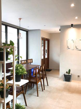 Foto 15 - Interior di Likely Cafe & Resto oleh yudistira ishak abrar