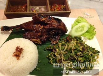Foto Makanan di Bebek Tepi Sawah