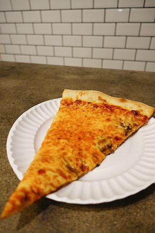 Foto 5 - Makanan di Pizza Place oleh iminggie