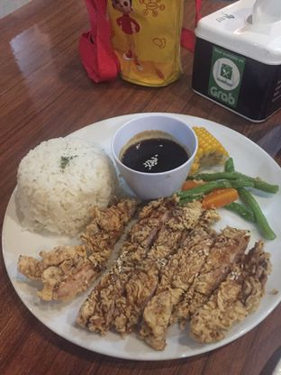 Foto 1 - Makanan di Carnis oleh dodysoegiarto