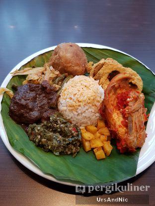 Foto 1 - Makanan di Nasi Kapau Juragan oleh UrsAndNic