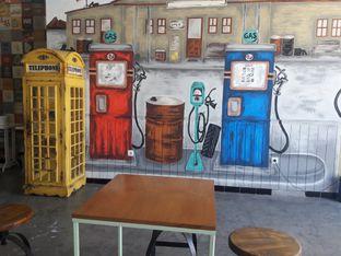 Foto 2 - Interior di Drink Station oleh Nisanis