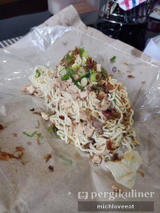 Foto 2 - Makanan di Mie Ayam Uban oleh Mich Love Eat