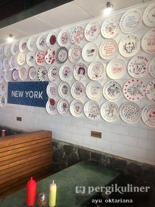 Foto 5 - Interior di Pizza Place oleh a bogus foodie