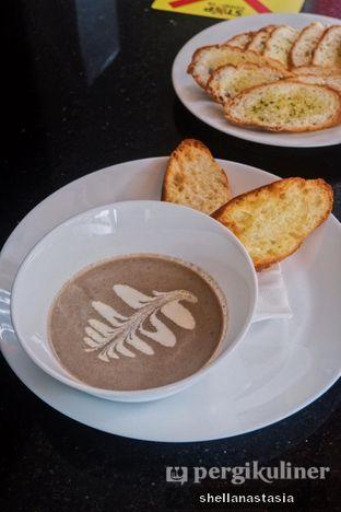 Foto 5 - Makanan(Mushroom Soup) di Indoguna Gourmet oleh Shella Anastasia