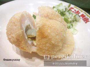 Foto - Makanan(Pempek Kapal Selam) di Pempek Pak Raden oleh Yummy Eats