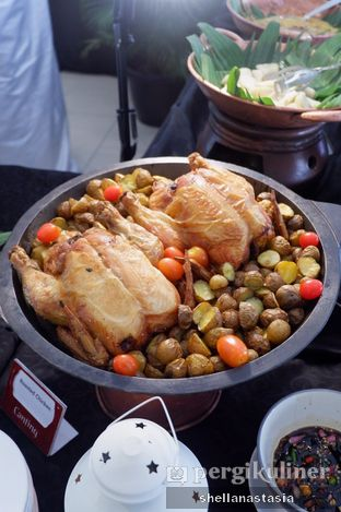 Foto 1 - Makanan di Canting Restaurant - Teraskita Hotel managed by Dafam oleh Shella Anastasia