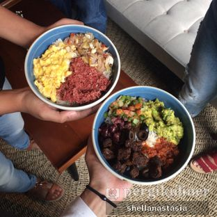Foto 15 - Makanan(Naked Burrito Bowl ) di RUCI's Joint oleh Shella Anastasia