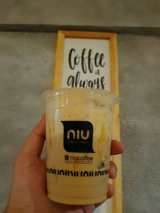 Foto - Menu(Salted Caramel Latte) di NIU Coffee & Eatery oleh Harry Saputro
