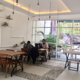 Foto Interior di 404 Eatery & Coffee