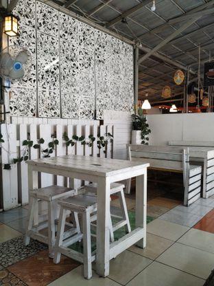 Foto 3 - Interior di Bandar Kerang Kiloan oleh yeli nurlena