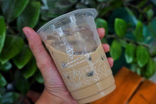 Foto 2 - Makanan(Es Kopi Makmur) di Makmur Jaya Coffee Roaster oleh Fadhlur Rohman