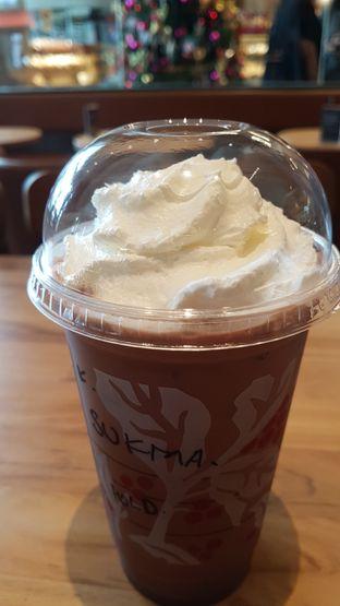 Foto 1 - Makanan di Starbucks Coffee oleh El Yudith