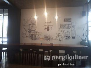 Foto 5 - Interior di Monopole Coffee Lab oleh Prita Hayuning Dias