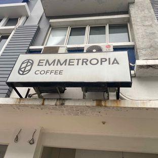 Foto 17 - Eksterior di Emmetropia Coffee oleh Levina JV (IG : @levina_eat & @levinajv)