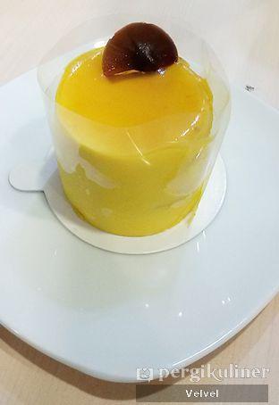 Foto 4 - Makanan(Mango Mousse) di Le Epicure Patisserie oleh Velvel