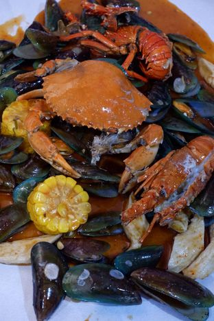 Foto 1 - Makanan di Perang Kerang - Barbarian Seafood House Restaurant oleh yudistira ishak abrar