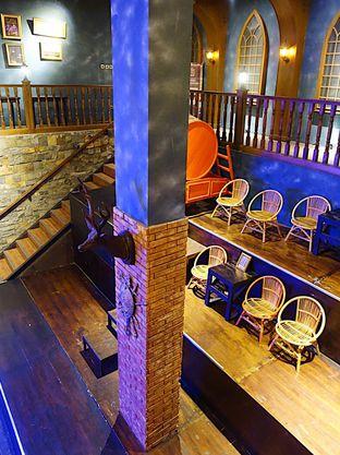 Foto 7 - Interior di TAB Take A Bite oleh iminggie